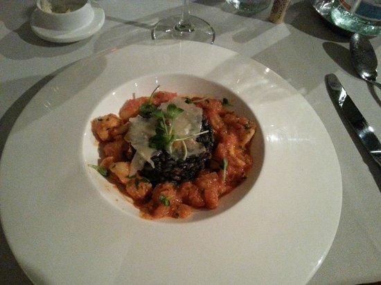 La Case de l'Isle: black risotto with calamari