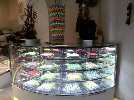 Maxx Royal Belek Golf Resort: French Macaron section of Patisserie