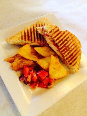 Fusion 40.83: Southwest chicken panini