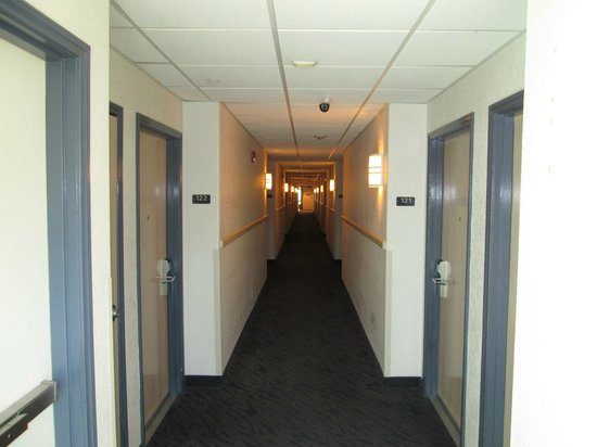 Motel 6 Beatty / Death Valley: Hallway
