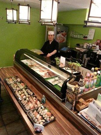 Yamato Sushi Bar : chef de cuisine