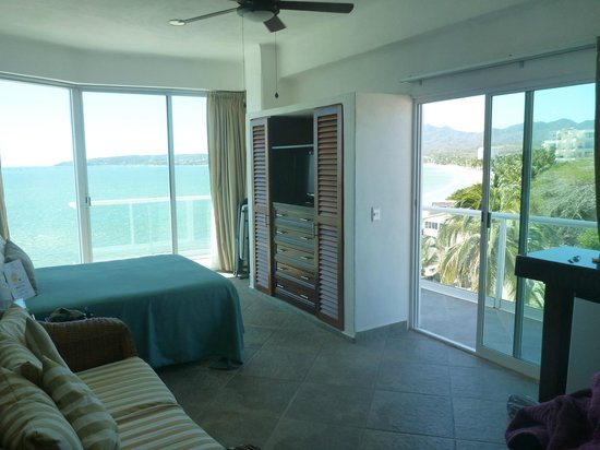 Hotel Suites Nadia Bucerias: room 503, lots of light