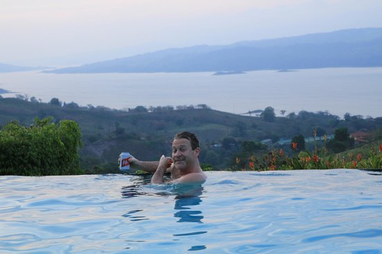 Nepenthe B&B : The pool and view
