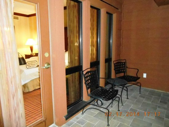 Montgomery Marriott Prattville Hotel & Conference Center at Capitol Hill : Balcony on Suite