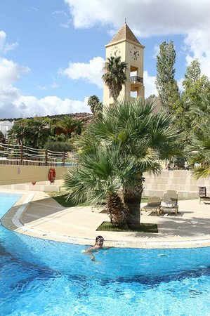 Candia Park Village : hotel territory