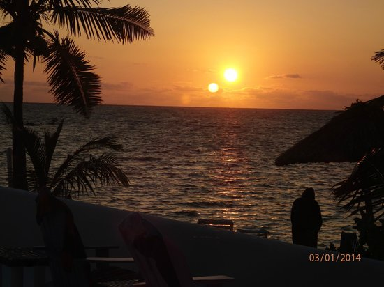 Mata Rocks Resort : Sunrise at Mata Rocks