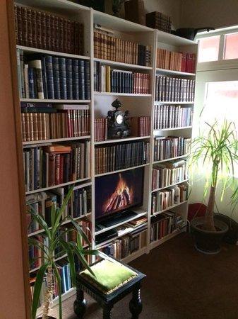 Hotell Lacko: Ett eget litet bibliotek!