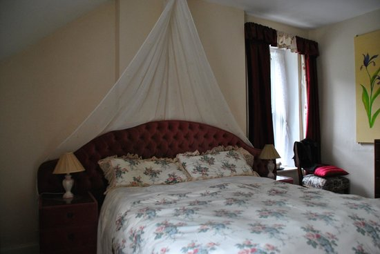 Groarty House & Manor B&B: Habitacion