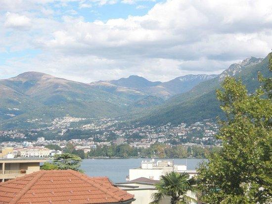 Canvetto Federale : Vista lago di Lugano dalla terrazza (ca. 80 posti)