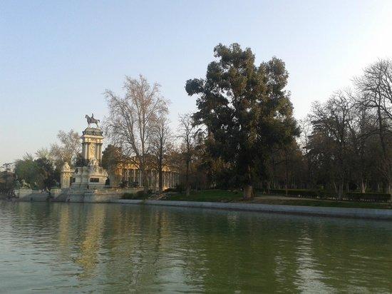 Parque del Retiro: Lago