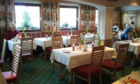 Roggal Hotel Pension: Breakfast room