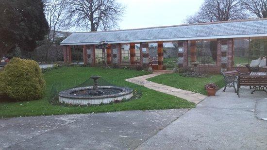 Lowenac Hotel: gardens
