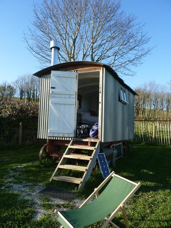 Hideaway Huts at Treworgey: The hut