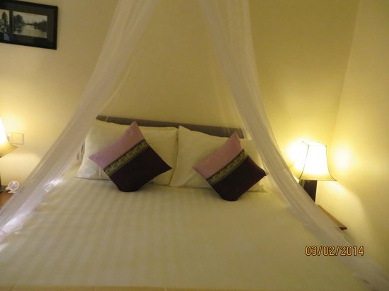 Pavillon d'Orient Boutique-Hotel : Our bed