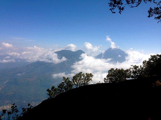 Volcan San Pedro : Two neighboring volcanos