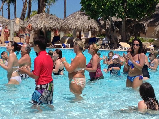 Iberostar Dominicana Hotel: Pool activities