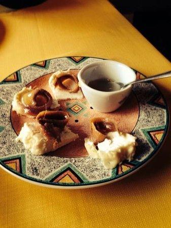 Trattoria Pegaso: acciughe, formaggio e miele. Da non perdere!!!