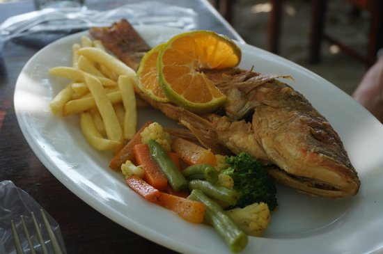El Ancla: Whole red snapper