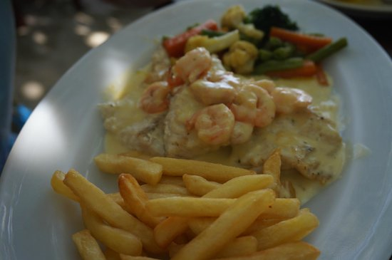 El Ancla: Sea bass in shrimp sauce