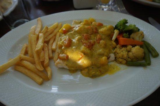 El Ancla: Sea bass in special chef's sauce