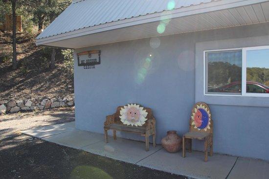 Georgetown Cabins Resort : Outside View of Jolly-McGregor