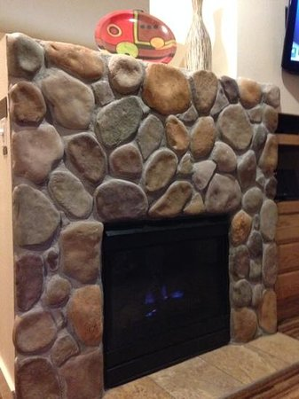 WorldMark Estes Park : gas fireplace in the condo! kept the family warm and cozy.