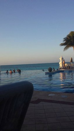 Hotel Riu Palace Las Americas : Fun activity pool