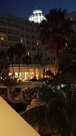 Hotel Riu Palace Las Americas : Riu at night