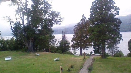 Hosteria Futalaufquen: Bajada al lago