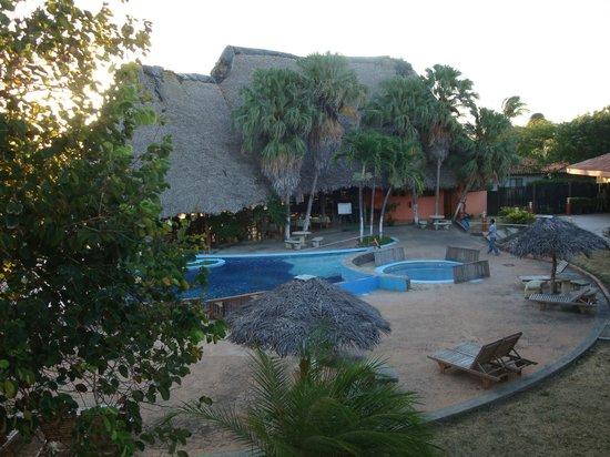 Ecoplaya Beach Resort: Capannone centrale per ristorante