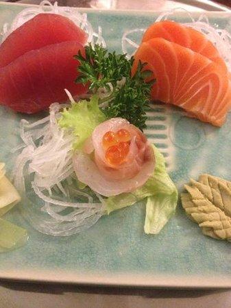 Yamato Sushi Bar : sashimi