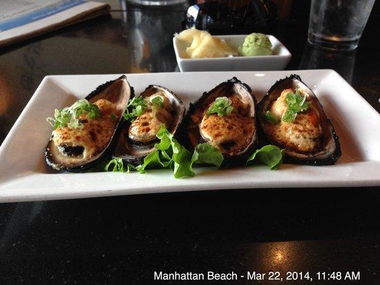 Izaka-Ya by Katsu-Ya: Baked mussels - YUM