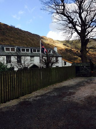The Langstrath Country Inn: Looking out