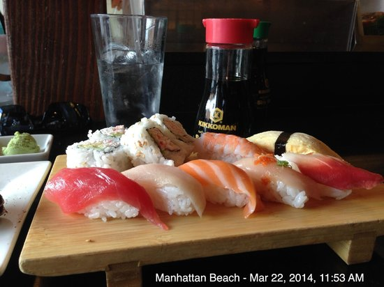 Izaka-Ya by Katsu-Ya: This is the sushi part of the lunch special