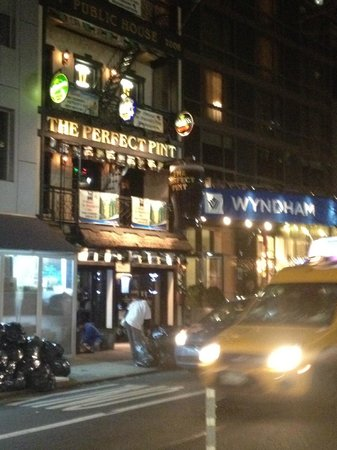 Wyndham Midtown 45: Next door to Irish Pub