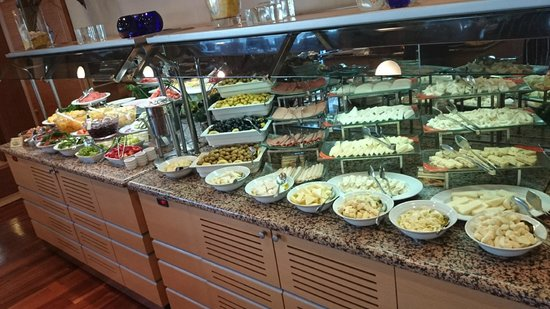 Ankara Plaza Hotel: Part of the Breakfast buffet