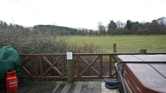 Highland Heather Lodges: ....the view from the hot-tub (Earn Lodge)