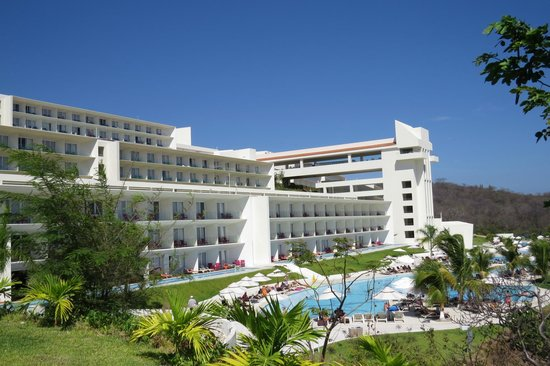 Secrets Huatulco Resort & Spa: View from Castaways Restaurant