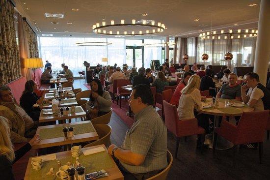 Courtyard Stockholm Kungsholmen: Restaurant