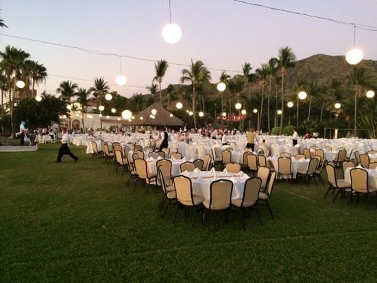 Club Med Ixtapa Pacific: Thursday night- dining under stars