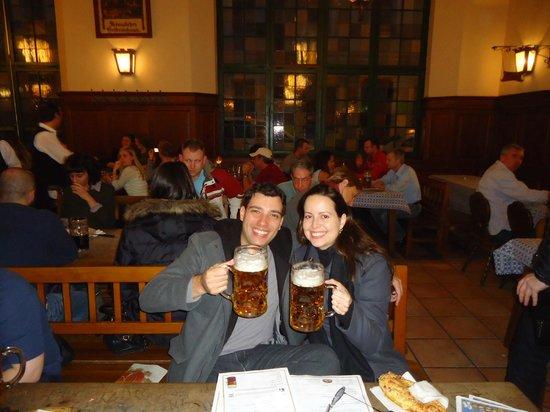 Hofbrauhaus Munchen: Cerveja tradicional