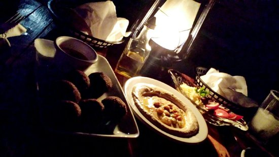Fusion Bar & Restaurant : Falafel, humus deliciosos!!!
