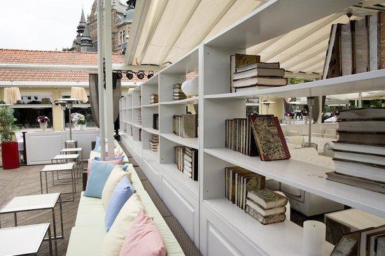 Josefina : Terrace