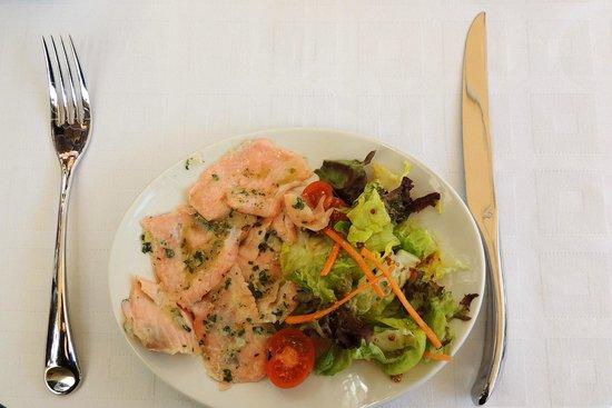 Hotel Casa Consistorial: Tapa de Salmon marinado