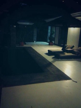 Meliá Salinas: Night Time Villa Outside