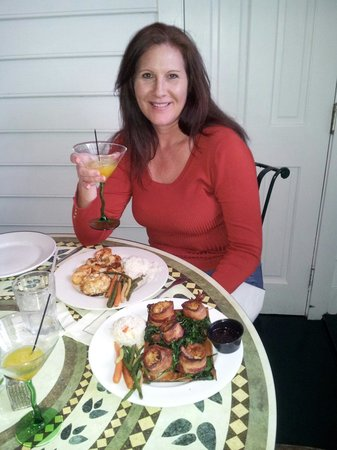 Seasons Restaurant: Enjoying a Basil martini, bacon wrapped scallops on a cedar plank and broiled seafood.All fabulo