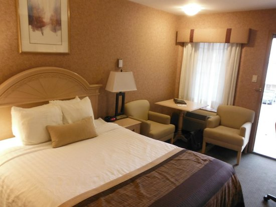 BEST WESTERN PLUS Sun Country: Bedroom