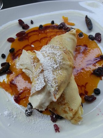 Old Vine Cafe : My beautiful Ricotta mousse crepes !