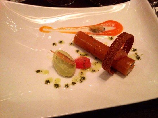 Les 5 sens : Entrée : crabe, carotte et sorbet avocat