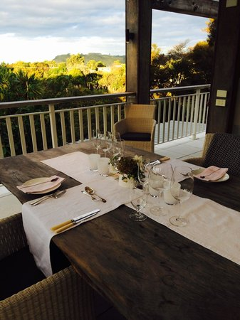 970 Lonely Bay: Dining on the Balcony